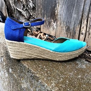 LIKE NEW! Toms Open Toe Espadrille Wedge Sandals